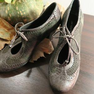 Aerosoles Prolific distressed heel